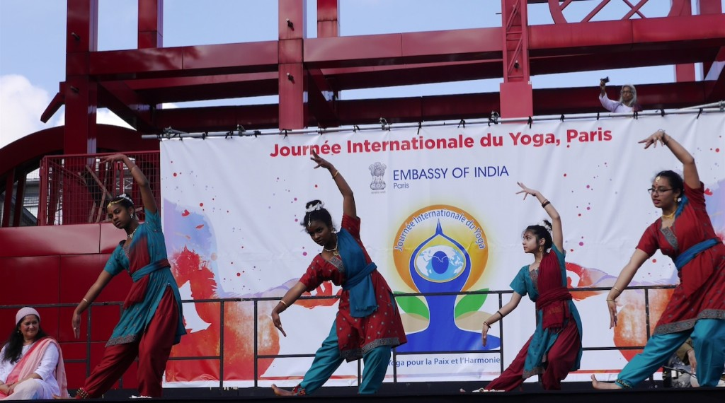 Journée Internationale du Yoga 2016 à Paris